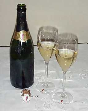 Franciacorta, served in its glass designed by the consortium, is an excellent companion in the enogastronomical matching