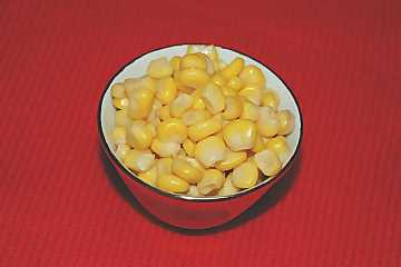 Boiled maize: the most common way to consume the grains of this plant