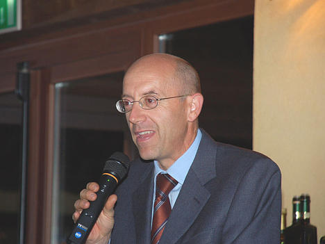 Dr. Gerardo Giuratrabocchetti during one of his speeches
