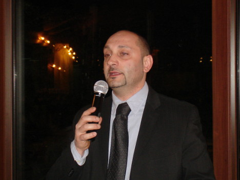 Fabrizio Ressia during one of his speeches