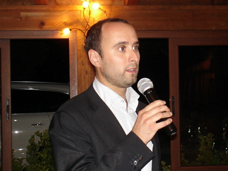 Dr. Enzo Barbi during one of his speeches