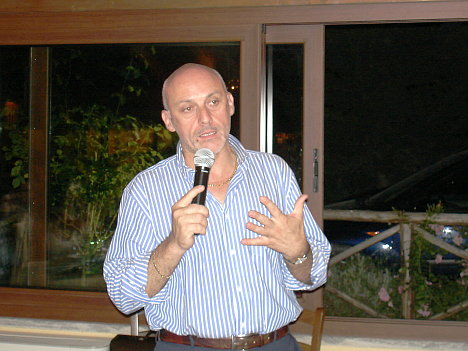 Dr. Carlo Casavecchia, wine maker of Duca di Salaparuta, during one of his speeches