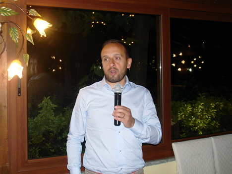 Giacomo Tonini, resident wine maker of Tenuta l'Impostino, in one of his speeches
